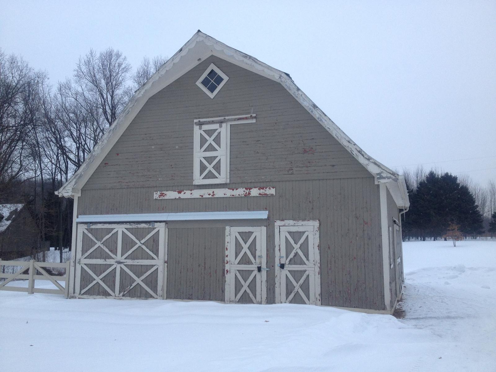 Residential barns for Residential pole barn homes